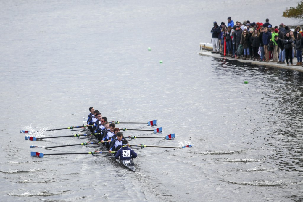 "CAMBRIDGE MA - Oct. 18, having finished the game in 17'35"" and broke their own record, Xi'an JiaoTong University Rowing Club, the bronze medal winner in Chinese Collegiate Rowing Competition last month, ranks 37th out of 41 teams in the 51st Head of Charles Rowing Regatta. Photo by Chenyao"